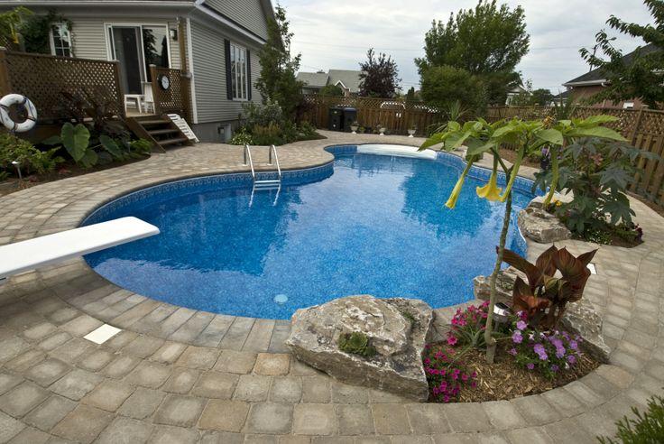 Projet de construction d'une piscine chez M. René Auger.