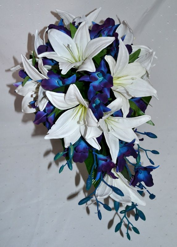 how to make a teardrop bouquet with fake flowers
