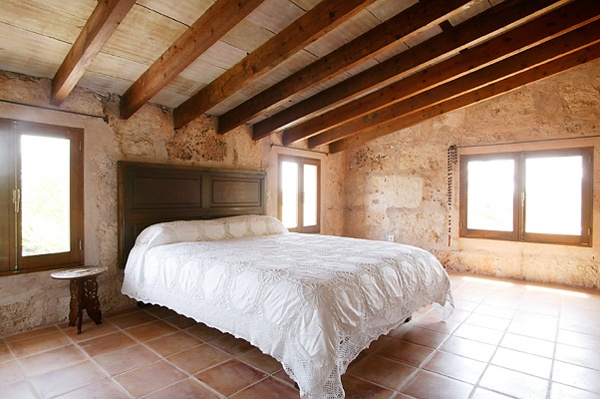 Beds Covers, Exterior Stones, Dreams Bedrooms, Exposed Beams, Expo Beams, Stones Wall, Floating Beds, Stone Walls, Stacked Stones