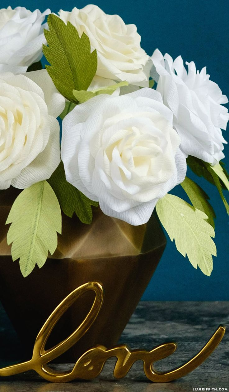 Legendary flowers from corrugated paper with your own hands
