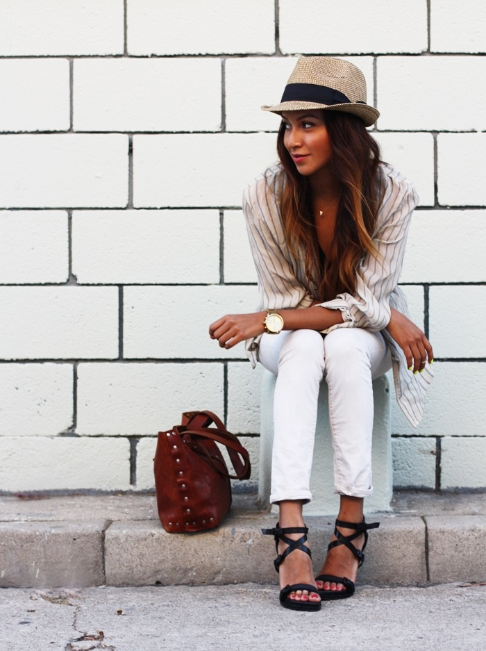 I want one of those hats so bad! Love this look too! ♥