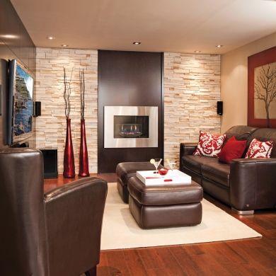 S'il est un élément à la fois déco et pratique qui ancre l'espace du sous-sol dans le présent, c'est bien le foyer à l'éthanol qui distille une douce chaleur dans une ambiance classique ou plus contemporaine.