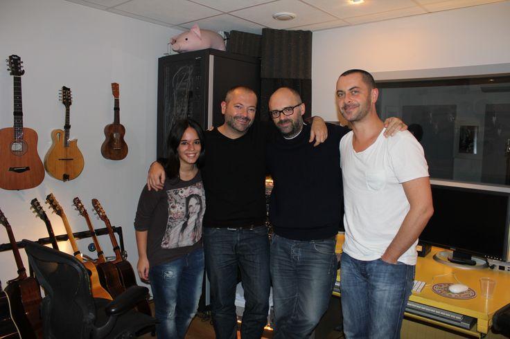 Avec ma Dream Team !  De gauche à droite : Vanessa (l'assistante de mon producteur), Christophe (mon producteur et manageur), Franck Authié (réalisateur de mon album) et moi - Bastien