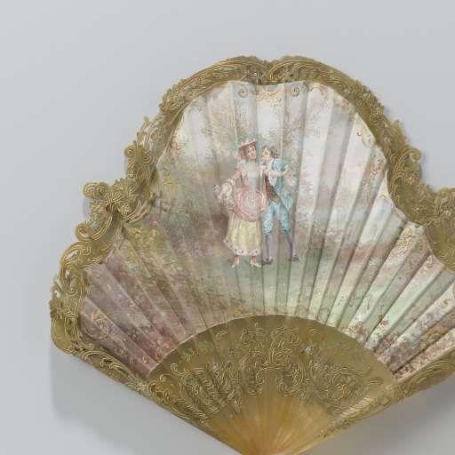 Vouwwaaier, met een onregelmatig geschulpt zijden blad waarop een liefdespaar in pastorale omgeving is geschilderd, op een gesneden montuur van kunststof met een koperen waaierring, Baguier J.F., c. 1910 - c. 1920 - Rijksmuseum