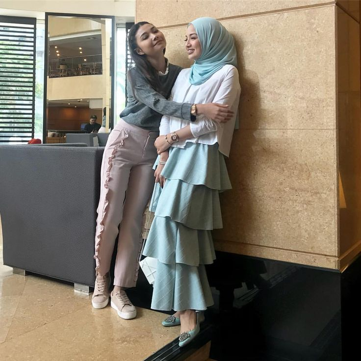 "117k Likes, 513 Comments - Noor Neelofa Mohd Noor (@neelofa) on Instagram: """" I'll miss you too Izzati "" - Helena #redvelvetdrama"""