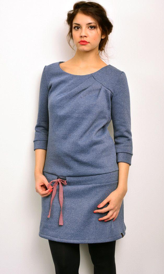 Knielange Kleider - *** Sweatkleid - blau - Kuschelsweat - Schleife - ein Designerstück von stadtkind_potsdam bei DaWanda