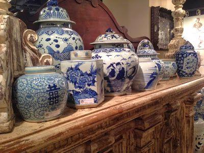 I vasi bianchi blu in stile cinese