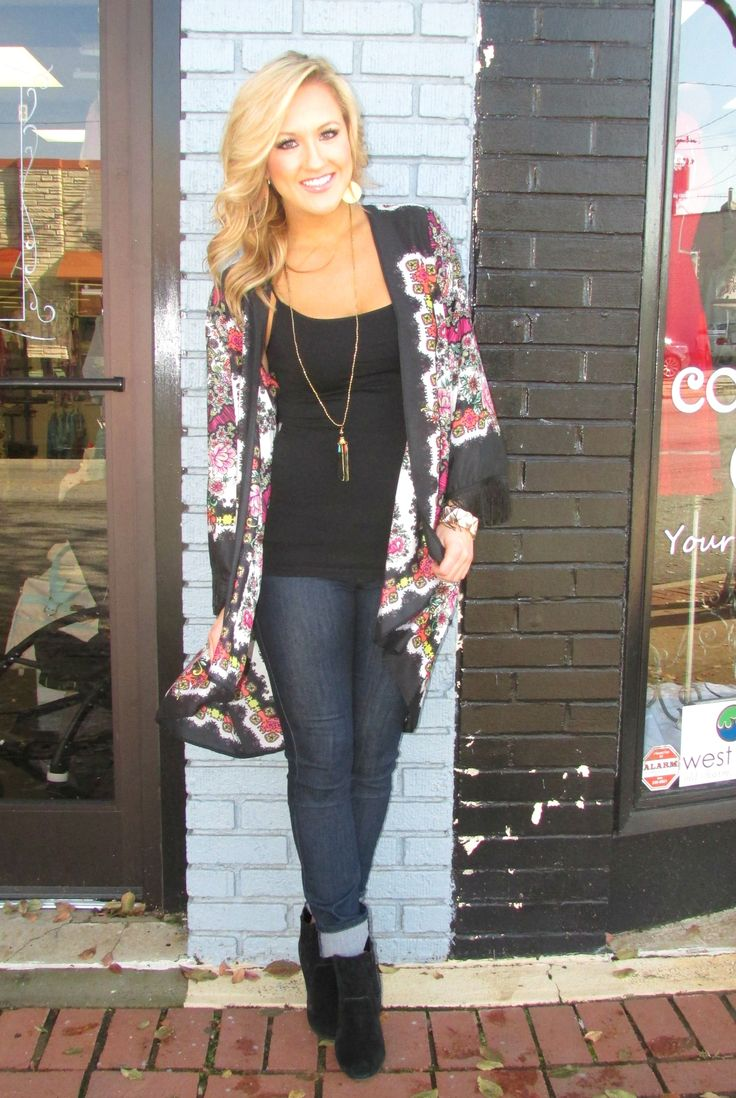 Our #ootd is simple, fun, and comfy!! We put our NEW Ivy Jane Floral Kimono, with a simple black Nikibiki cami, a pair of Flying Monkey Jeans and then added our simple black tassel by Turkish Delight! This colorful outfit is perfect for those Family Thanksgiving Dinners!! #newarrival #cocobellagirl #shopcocobella #ivyjane #kimono #floral #tassel #fashion #flyingmonkeyjeans #outfitoftheday www.shopcocobella.com