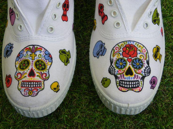 Zapatillas pintadas a mano Diseño Calaveras