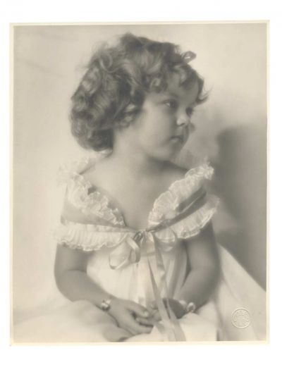 Love, Shirley Temple, Take Two: From Schoolgirl to Storybook: 405 Three Vintage Photographs of Shirley Temple as a Young Toddler