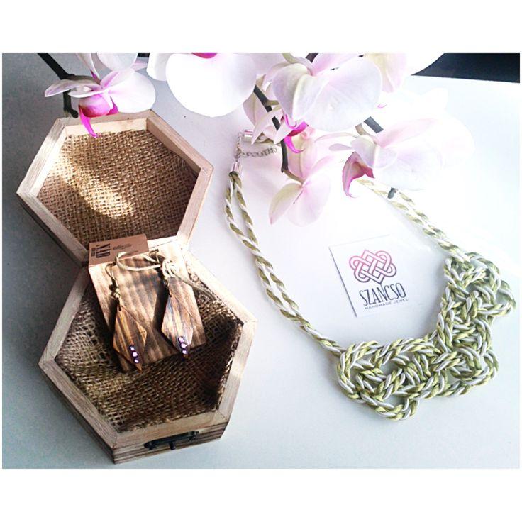 Handmade rope neckace and the wood earrings