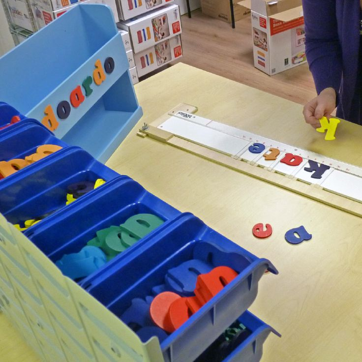 Alfabeto colorato Tidy Books #mobili #personalizzati http://www.tidy-books.it/