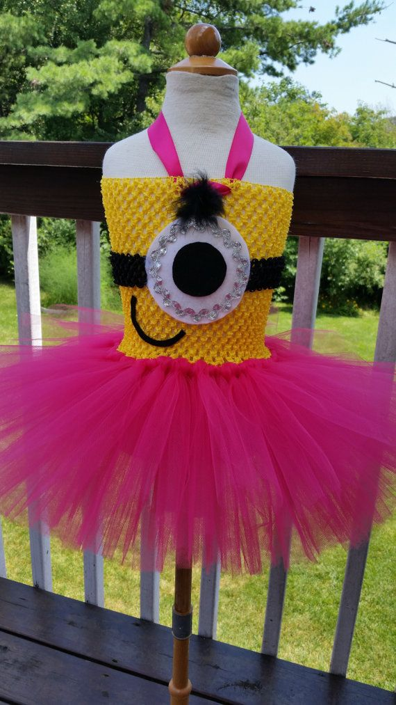 This minion inspired tutu dress is perfect your little minion! Great for playing dress up, Halloween costume, birthday parties or just for