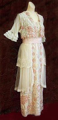 Tea gown, 1910