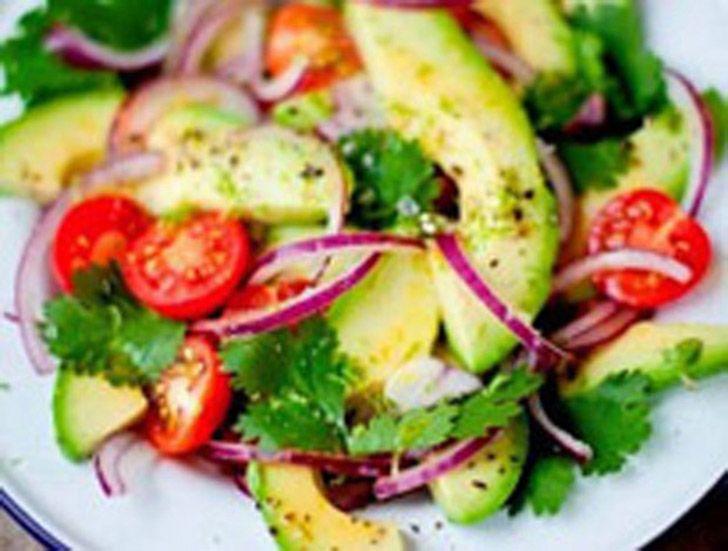 Σαλάτα αβοκάντο με σέσκουλα