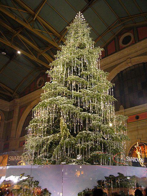 Swarovski Christmas Tree, Zürich. Breathtaking!