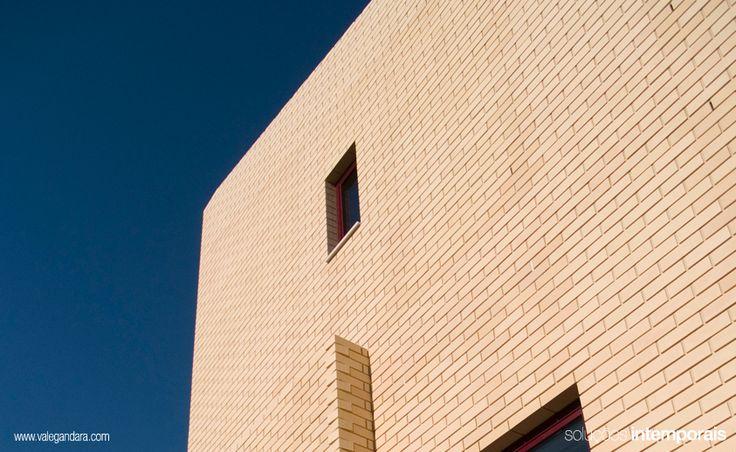#arch #architecture #arquitetura #arq #construction #building #material #house #Klinker #Brick White/Branco Algarve (EN) » http://goo.gl/n0ALm #Tijolo Face à Vista Klinker Branco Algarve (PT) » http://goo.gl/7p14W #Ladrillo Caravista Klinker Branco Algarve (ES) » http://goo.gl/fHr0T Klinker Face #Brique (FR) » http://goo.gl/1M72A
