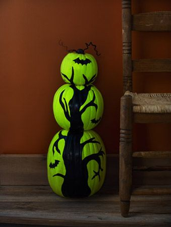 Tuesday Tutorial: Glow-in-the-Dark Pumpkin Tree--but instead of the Halloween theme,  I would do a fall one...love this!