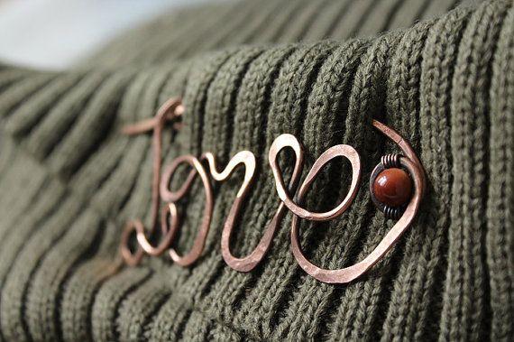 LIEBE Schal Pin / Schal Pin / Brosche – personalisierte Schal Pin Valentinstag Jubiläum Geburtstag Frauen Geschenk romantischen Schmuck   – other wire bead