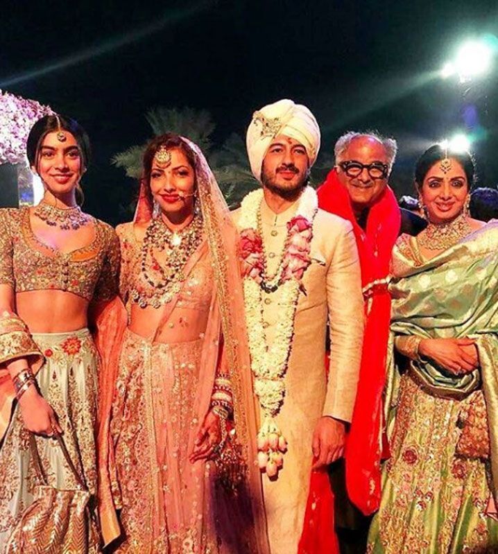 सोनम के भाई की शादी में बॉलीवुड सितारों ने की जमकर मस्ती ! (Bollywood stars had fun in Mohit Marwahs wedding)