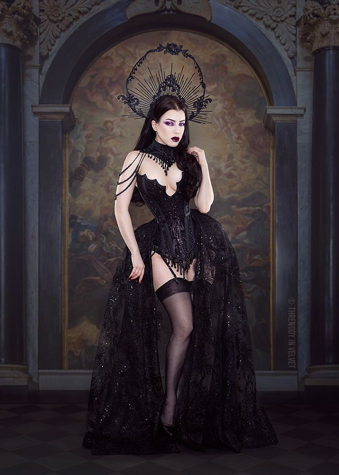 Model/MUA/Photo: Threnody In Velvet Outfit:Wyte Phantom/Headpiece:Lory Sun Artistry Welcome to Gothic and Amazing | www.gothicandamazing.com