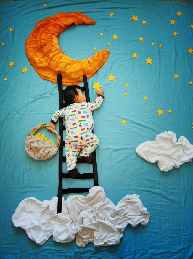 Creative baby picture idea....That is an awesome idea....they all look so cool!!!