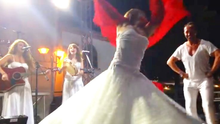 PASSIONE TARANTA performing Pizzica - Music and Dance from Salento: here the so called Courtship Pizzica (Taranta 2014 live video)
