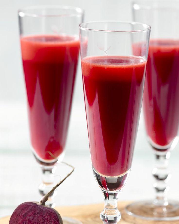 Neem een vitamineshot met dit heerlijke sapje met wortel, rode biet, frisse appel en gember. Een perfecte detox!