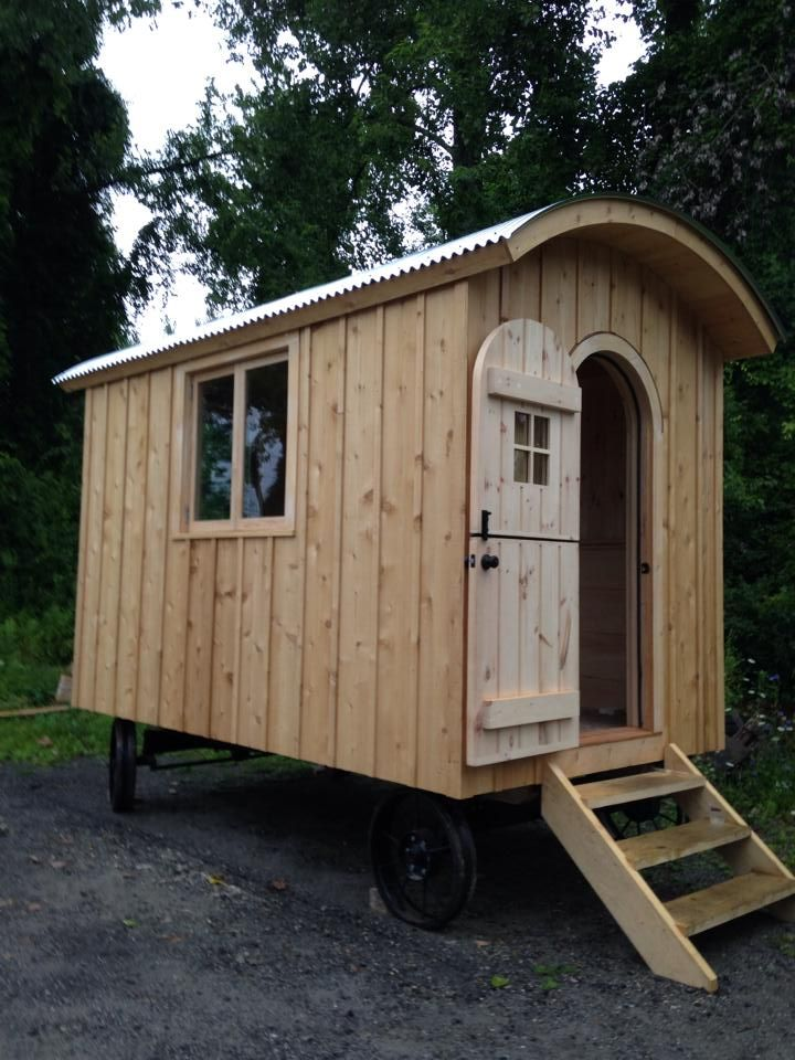 585 best images about caravans wagons and shepherds huts on pinterest the gypsy buses and - The mobile shepherds wagon ...