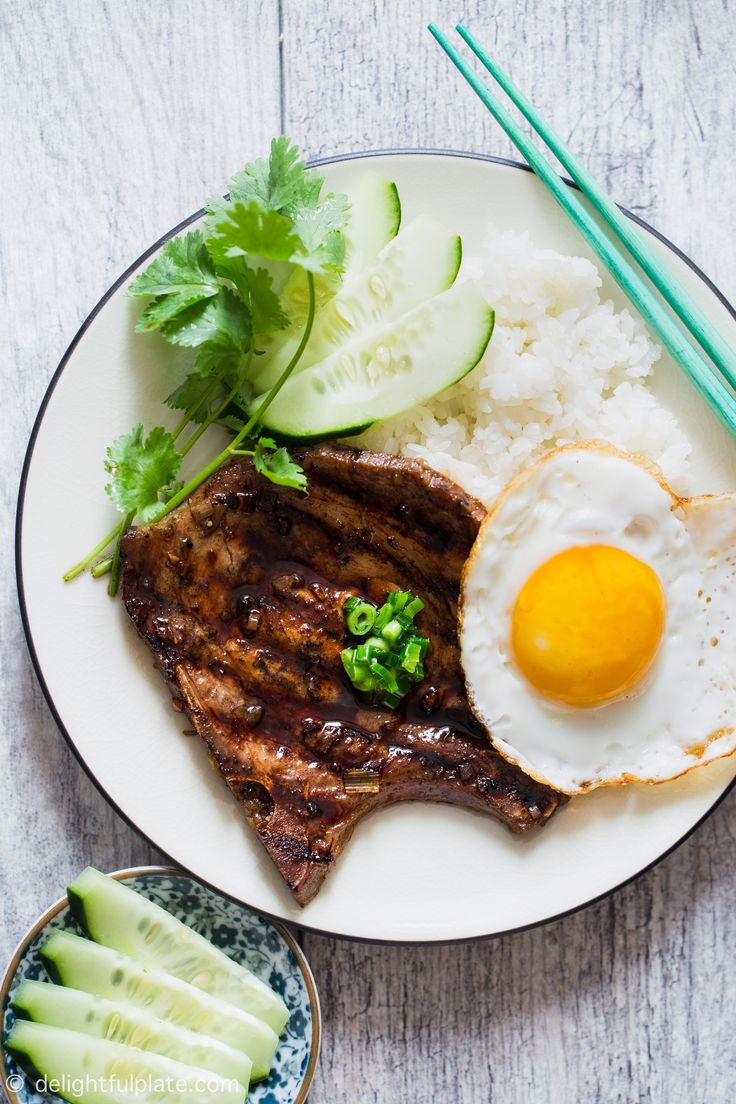 These grilled pork chops are full of sweet and savory flavors and infused with lemongrass fragrance. This is one of the easiest Vietnamese restaurant dishes to make at home. #vietnamese #grill #pork