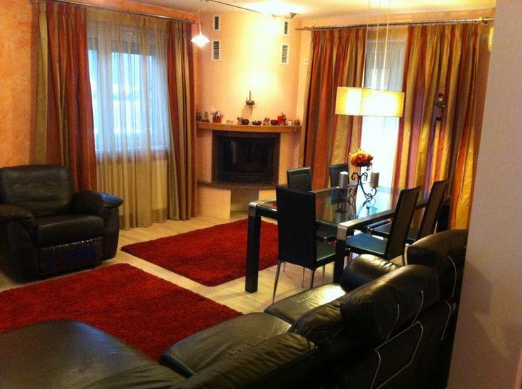 Brasov Sweet Retreat ofera cazare in apartamente si penthausuri de lux in regim hotelier foarte aproape de centrul istoric al orasului. http://www.brasovsweetretreat.com