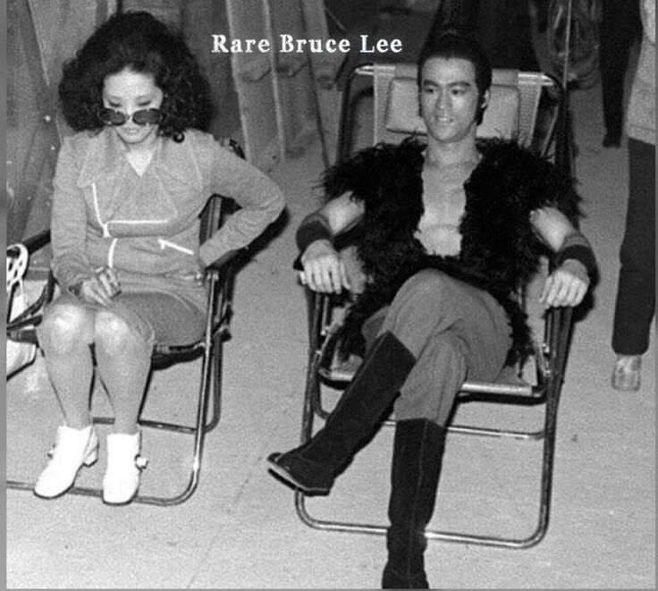 Great rare picture of Bruce Lee