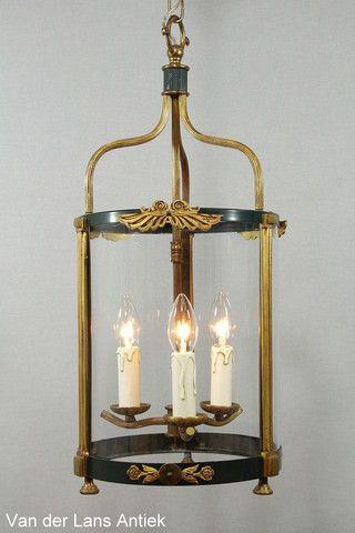 Klassieke lantaarn 26257 bij Van der Lans Antiek. Meer antieke lampen op www.lansantiek.com