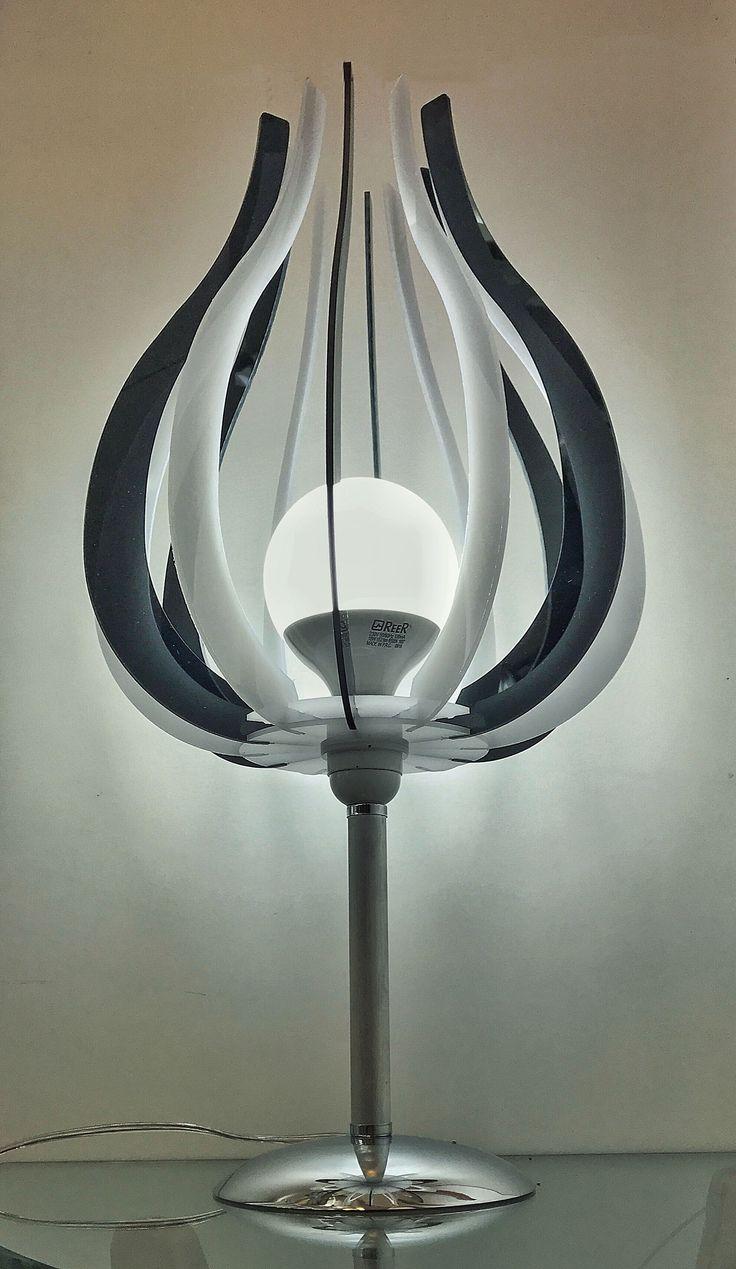 Lampadario da mobile modello SEPPIA in policarbonato e plexiglass colorato di design, minimal.  Sito:  castileitalia.com