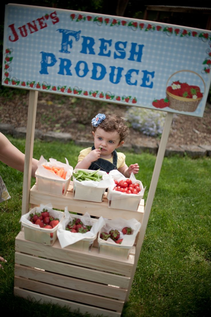 Farm Party Kids Produce Stand- this would be perfect if Luke had a summer birthday!
