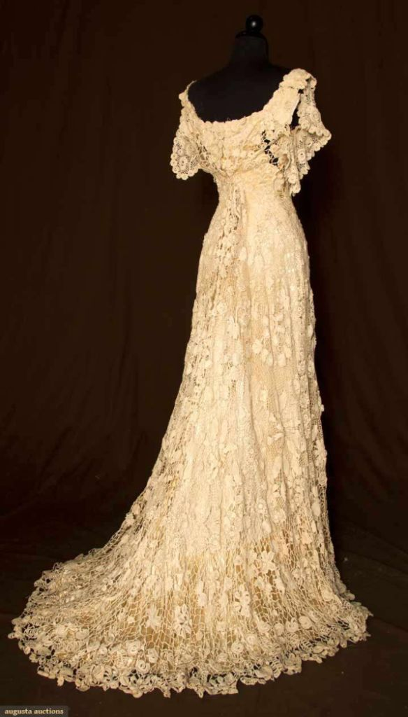 VINTAGE IRISH WEDDING DRESS ... 1908  I'm LOVING this gorgeous Irish wedding gown from early last century ... cap sleeves, fitted through high waist, very full trained skirt, three-dimensional crochet flowers and foliage, cream satin, built in boned lining ...