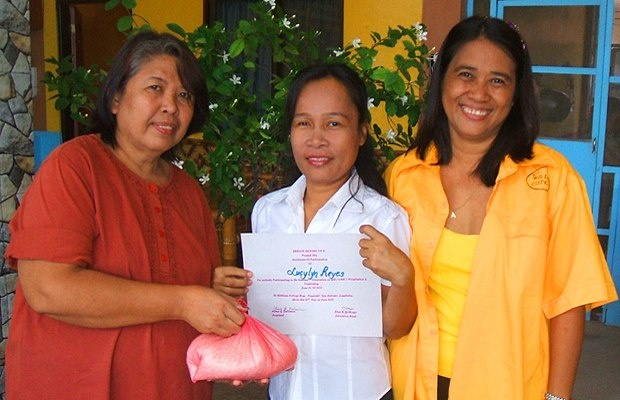 Survivors are leading efforts to end sex trafficking and sexual exploitation as part of Equality Now's year long anti-trafficking campaign. Read the story of Alma, who was exploited by US service members on a US military base in the Philippines and is now an advocate for survivors. Then Join Equality Now in calling on the United States to address the role of the U.S. military in fueling global sex trafficking.  http://www.equalitynow.org/survivorstories/alma
