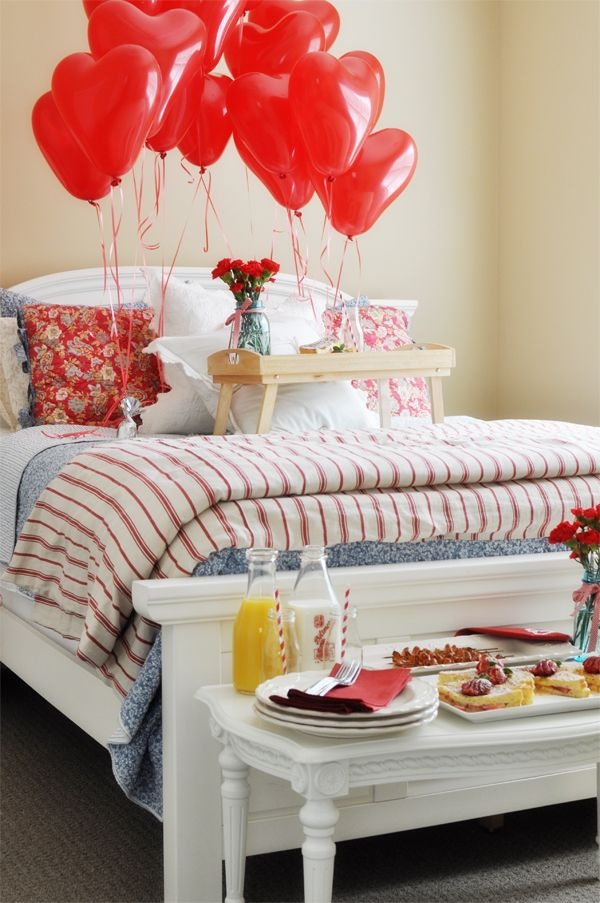 14 LOVE NOTES TIED TO14 BALLOONS~ a fun breakfast in bed idea for Valentines or a great Anniversary! Just change the balloon amount to years you've been married!