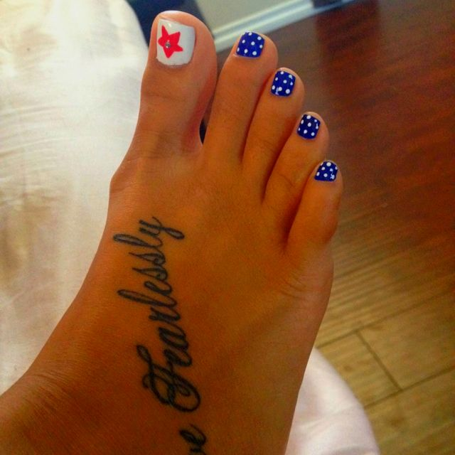 4th of July toes :)