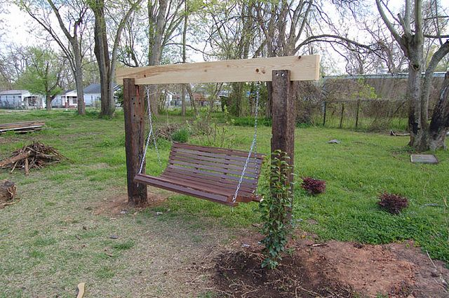 Railroad ties used to make swing! I know a certain UPRR worker that will be making this for his lovely wife! :)