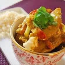 Mild currygryta med ris och myntayoghurt