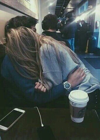 Imagen vía We Heart It https://weheartit.com/entry/164790955 #couple #love