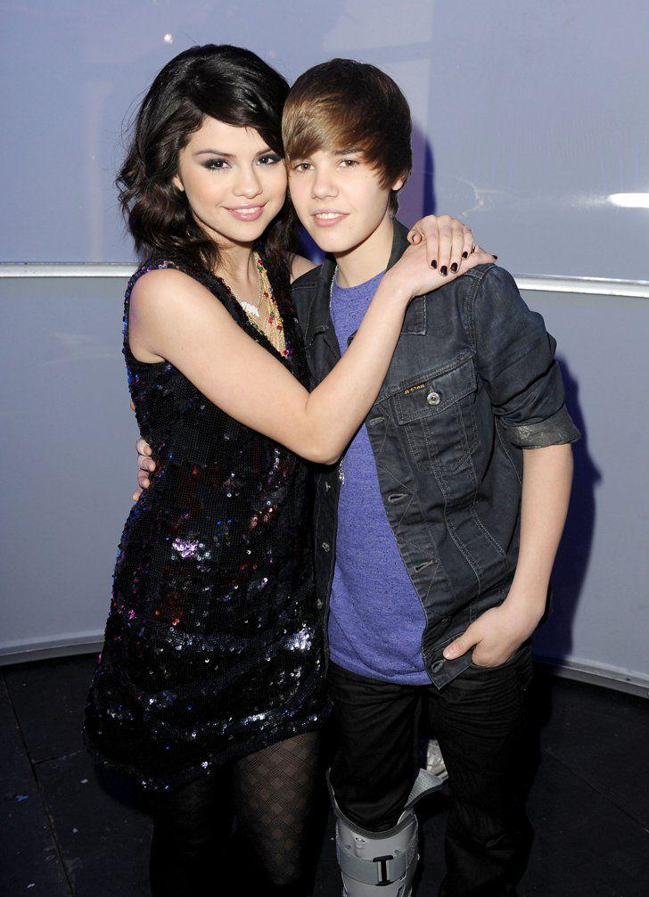 Pin for Later: Retour Sur la Fois où Ces Couples de Célébrités Se Sont Affichés en Public Pour la Première Fois Selena Gomez et Justin Bieber en 2009