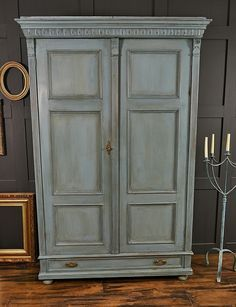 17 best ideas about armoires on pinterest french antiques french armoire and french furniture Relooker armoire ancienne idees