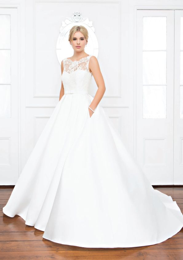 Grace - Wendy Makin Couture. Princess Wedding gown. Lace sleeves. Sweetheart neckline. Classic. Australian.