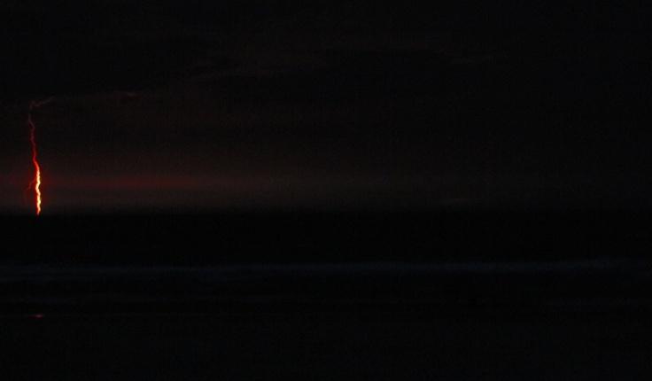 Mi primera foto de un rayo! Tormenta eléctrica en Cabo Polonio