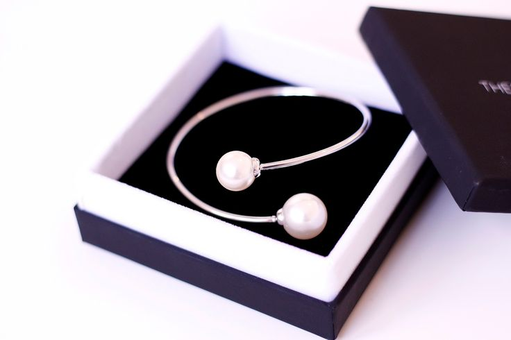 Pearl Embrace Bangle in silver @thepeachbox