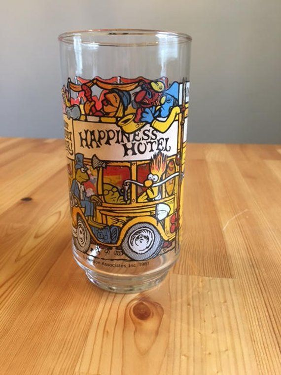 Vintage McDonalds Great Muppet Caper Caper Happiness Hotel Glass ~ 1981 ~ Fozy