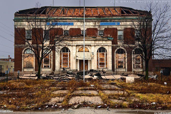 Detroit  Ruins   Detroit Ruins (Detroit, Michigan) -- © 2011 Joe Braun Photography