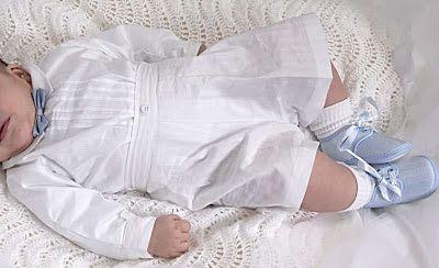 ROPA DE BAUTIZO ELEGANTE PARA BEBE VARON via www.modainfanti.blogspot.com